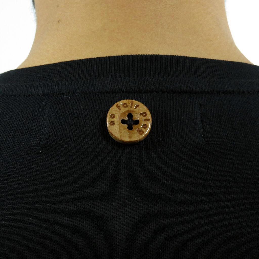 dettaglio bottone legno